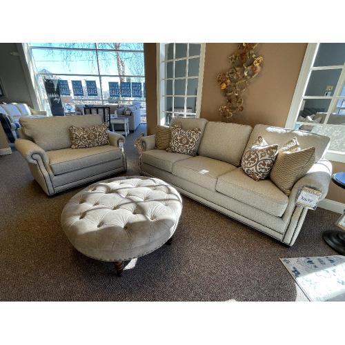Mayo Furniture - Sofa & Matching Chair, Style #4700F10