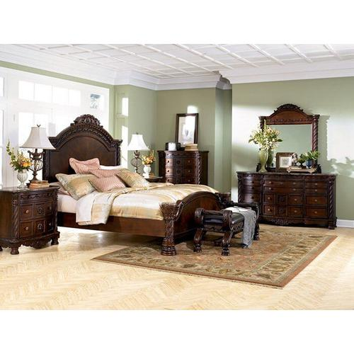 North Shore 5 Piece Bedroom with Panel Bed