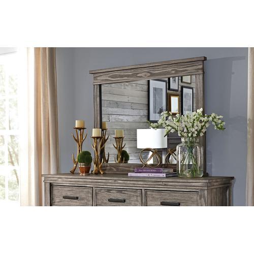 A America - Dresser and Mirror