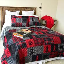 Red Forest King Quilt Set