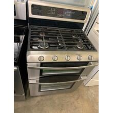 Gold® Double Oven Freestanding Gas Range (This may be a Stock Photo, actual unit (s) appearance may contain cosmetic blemishes. Please call store if you would like additional pictures). This unit carries our 6 Month warranty, MANUFACTURER WARRANTY and REBATE NOT VALID with this item. ISI 36784