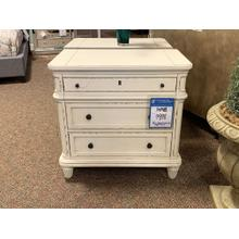 Hunt Leigh Night Stands