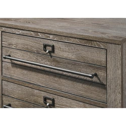 Crown Mark - Bateson Dresser and Mirror Set