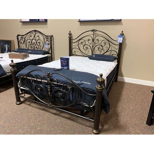 Grand Isle Queen Iron Bed