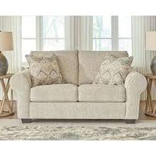 CLEARANCE Haisley Loveseat