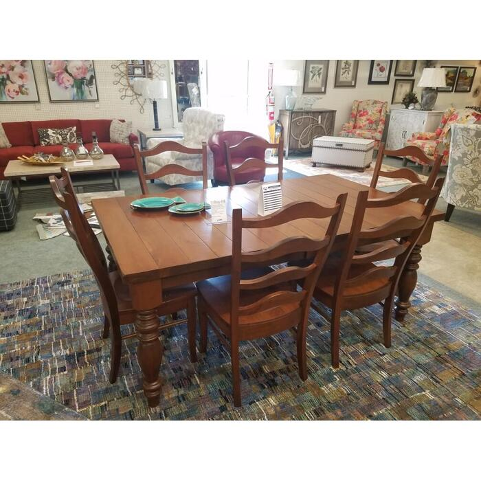 "42""x72"" Plank Table w/6 Chairs"