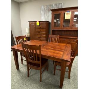 Frontier 7 pc Dining Set