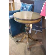 "22"" Round Pedestal Table"