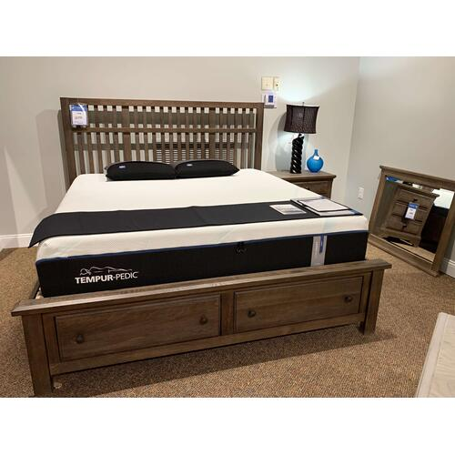 King Storage Bed w. Slatted Headboard