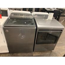 Whirlpool 4.7 CF Washer and 7.4 CF Dryer in Chrome