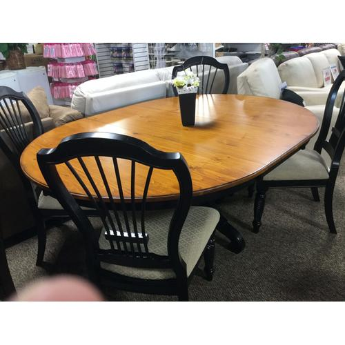 Meadowbrook 5-pc Round Table Dining Set