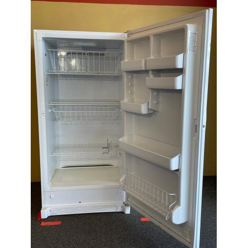 Treviño Appliance - Frigidaire Upright White Freezer