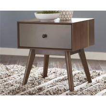CLEARANCE Lynnifer End Table