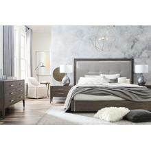 "Bassett Modern King Bedroom Set with ""to the floor"" Night Stands"