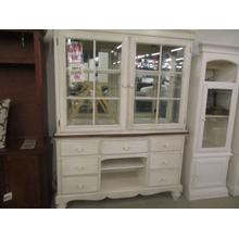 CLEARANCE HUTCH