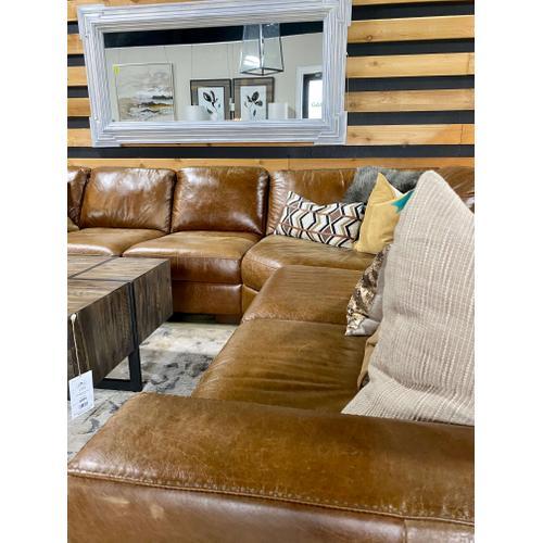 Softline - Splendor Chestnut Leather Sectional