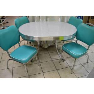 Oval Table and Chair
