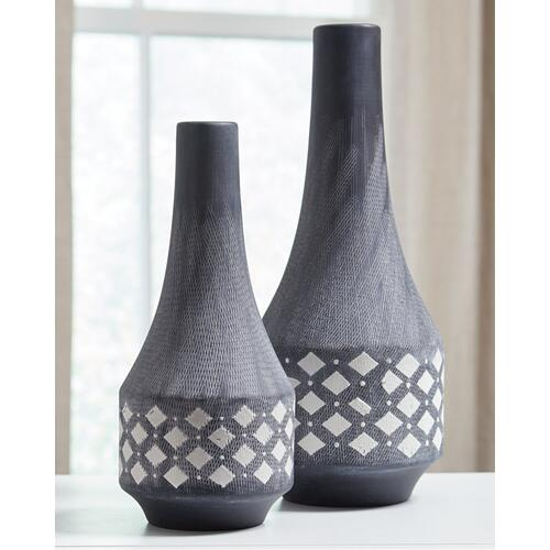 Dornitilla Vase (set of 2)