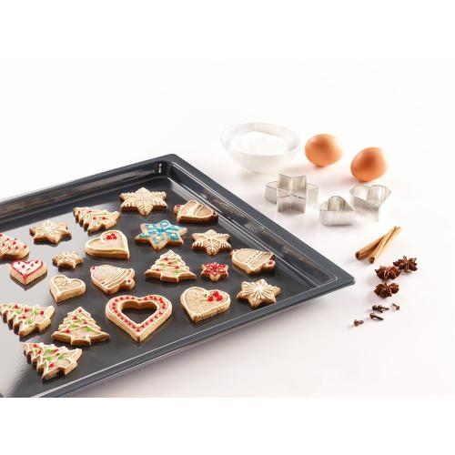 HBB 71 - Genuine Miele baking tray with PerfectClean finish.