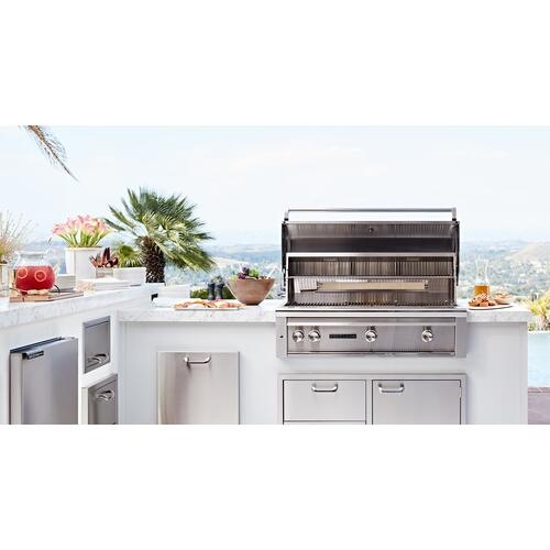 "42"" Sedona by Lynx Built In Grill with 2 Stainless Steel Burners and ProSear Burner and Rotisserie, LP"