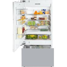 MasterCool fridge-freezer with high-quality features and maximum storage space for exacting demands.