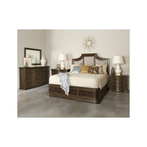Kingsport Upholstered Panel Queen Bed