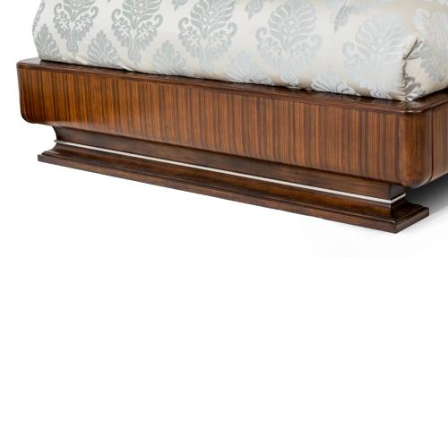 Queen Channel Tufted Bed (4 Pc)