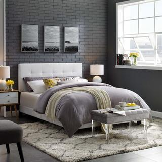 Amira Queen Upholstered Fabric Bed in White