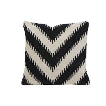 6816312 - Pillow 50x50 cm ARROCCA black-white hook print