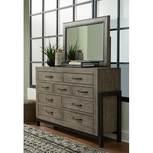 Ashley - Brennagan Dresser and Mirror