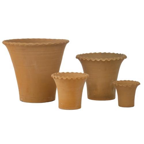 Debarro Hand-Thrown Tall Scallop Planter - set of 4