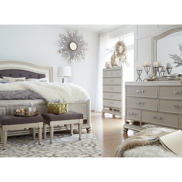 Coralayne Queen Panel Bed
