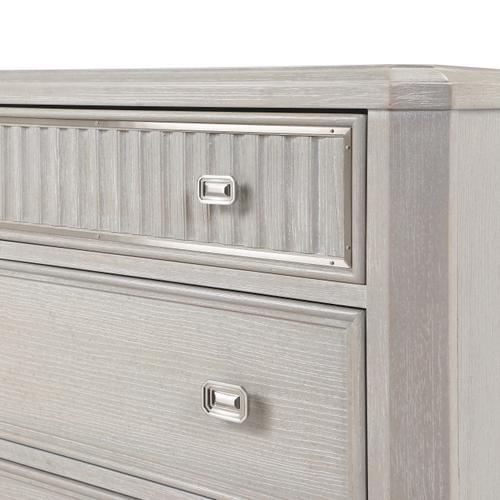 A.R.T. Furniture - La Scala Bachelor Chest