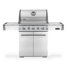 Gas Grill M485 with rear infrared burner and infrared SIZZLE ZONE side burner