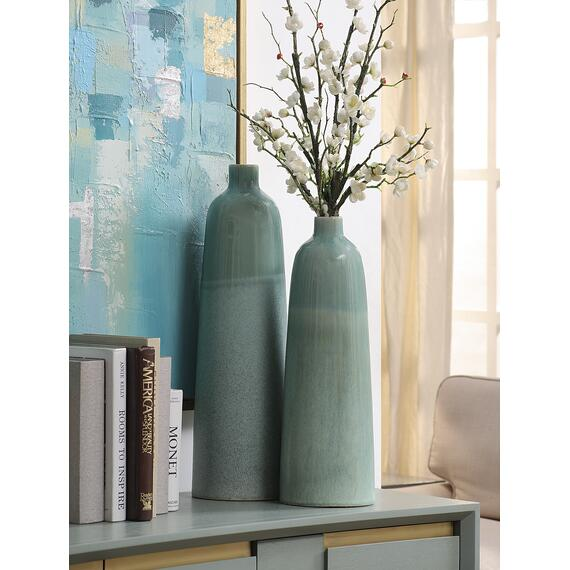 Amaryllis Small Ceramic Vase