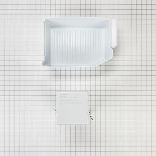 Refrigerator Ice Maker Assembly - White