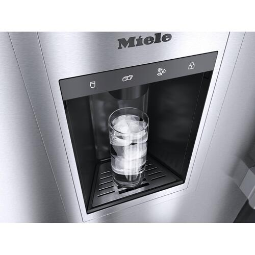Miele - F 2672 Vi - MasterCool™ freezer For high-end design and technology on a large scale.
