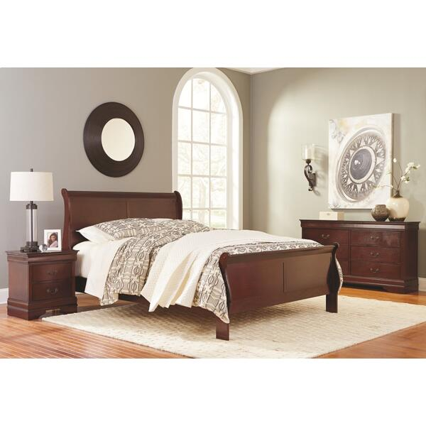 Queen Sleigh Bed With Mirrored Dresser