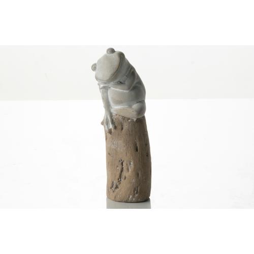 Alfresco Home - Gray Froggy on a Stump
