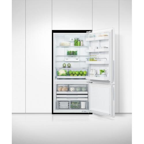 "Freestanding Refrigerator Freezer, 32"", 17.5 cu ft"