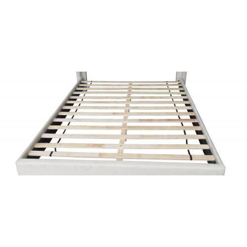 """Glitz 54"""" Double Platform Bed in White"""