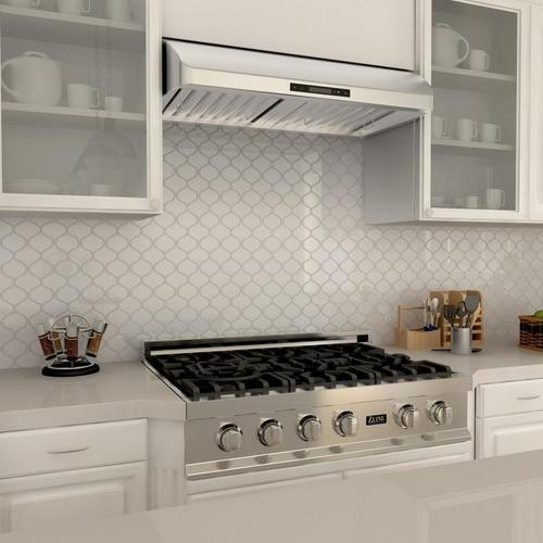 ZLINE Ducted Under Cabinet Range Hood in Stainless Steel (621) [Size: 36 Inch]