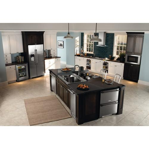 Electrolux 36'' Glass and Stainless Canopy Wall-Mount Hood