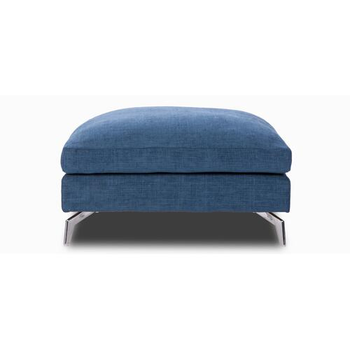 L'OFFICIEL Large square Ottoman (256)