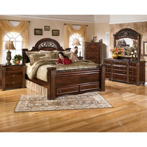 King Poster Bed With 2 Storage Drawers With Dresser