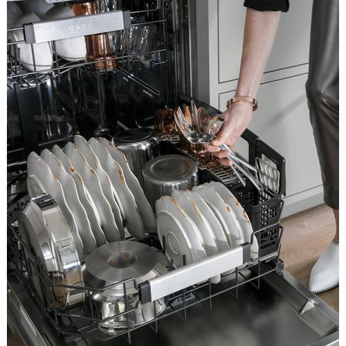 Café Smart Stainless Steel Interior Dishwasher with Sanitize and Ultra Wash & Dual Convection Ultra Dry