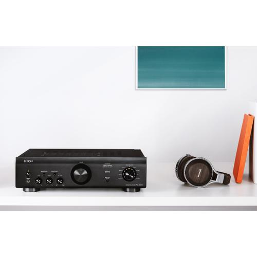Integrated Amplifier with 70W Power per Channel and Bluetooth Support