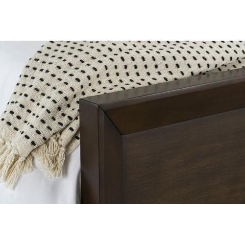 Standard Furniture - Brentwood Queen Bed, Brown