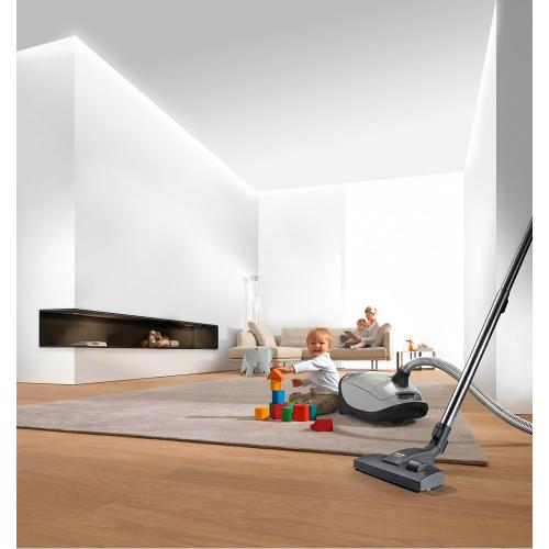 SBD 285-3 AllTeQ - floorhead for vacuuming hard floors and carpets thanks to the retractable bristle strip.