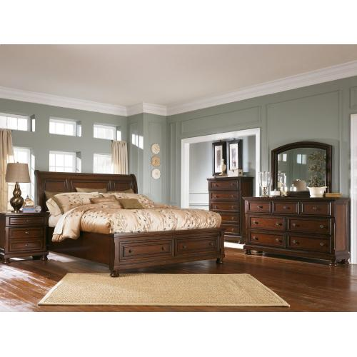 California King Sleigh Bed With Mirrored Dresser